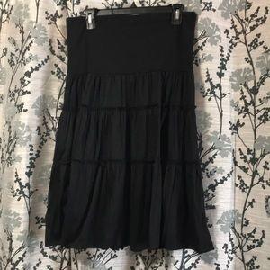 Light weight skirt with casual ruffles